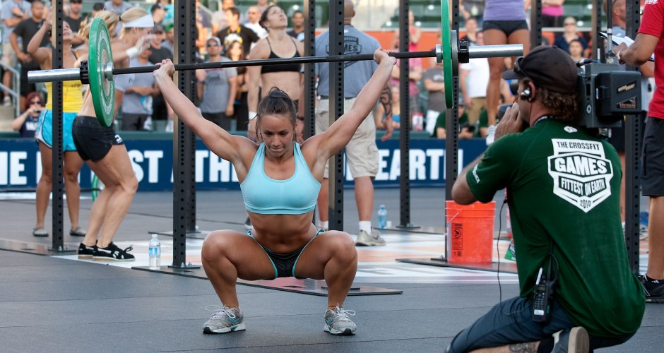 Why GALS should NOT lift weights like GUYS! Fit Tips Massillon